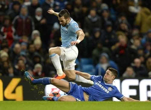 Hàng thủ Chelsea vất vả trước sức công phá của chủ nhà Man City
