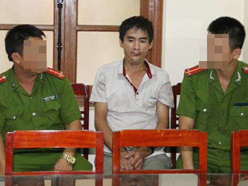 Nguyễn Văn Khoa sau khi bị bắt giữ tại cơ quan công an - Ảnh: Dân trí
