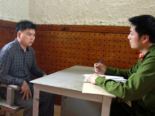 Ông Nguyễn Văn Ký làm việc tại cơ quan điều tra. Ảnh: TTXVN