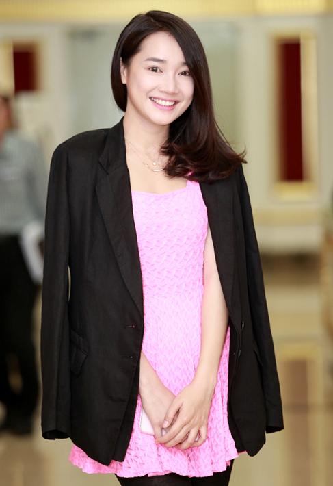 """Diễn viên Nhã Phương vai Linh: Đã từng có kinh nghiệm đóng phim tại Hàn Quốc với bộ phim """"12 năm trở lại"""". Gần đây Nhã Phương cũng có vai diễn khá tốt trong """"Vừa đi vừa khóc"""""""