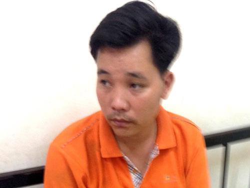 Nguyễn Văn Hiếu tại trụ sở công an phường Dịch Vọng Hậu sau màn phun mưa, đánh CSGT