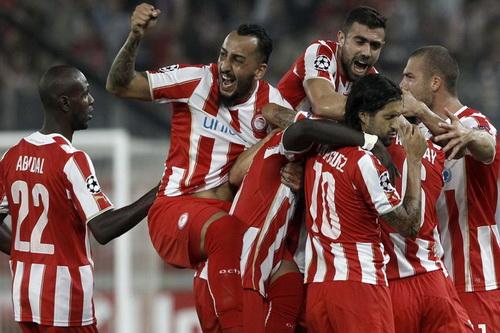 Olympiakos hạ gục á quân Atletico Madrid trên sân nhà Athens