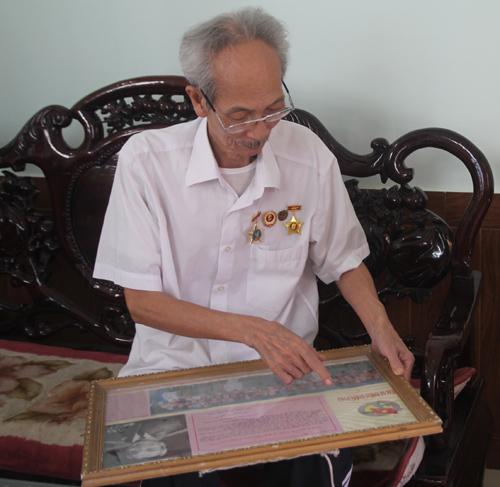 Ông Nguyễn Xuân Tính với những kỷ vật, kỷ niệm tham gia chiến dịch Điện Biên Phủ