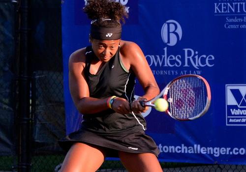 ... nhưng nhà vô địch Mỹ mở rộng 2011 vẫn thất bại trước tay vợt trẻ con Naomi Osaka