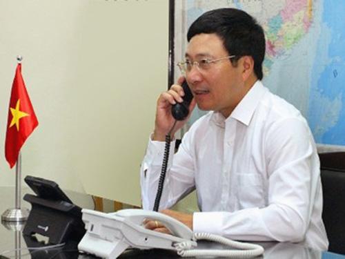 Phó Thủ tướng, Bộ trưởng Phạm Bình Minh đã điện đàm với Ngoại trưởng 3 nước Indonesia, Singapore và Nga để thông báo những diễn biến mới về vụ giàn khoan Hải dương 981 - Ảnh: VGP