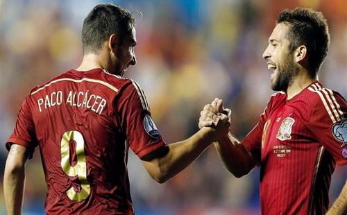 Paco Alcacer tỏa sáng ngay lần đầu góp mặt ở tuyển Tây Ban Nha