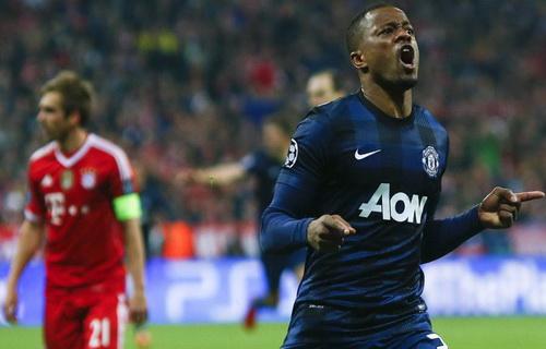 Evra ghi bàn ở tứ kết Champions League trước Bayern Munich