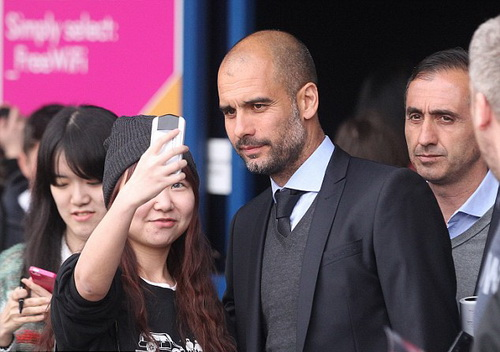 HLV Guardiola được khán giả