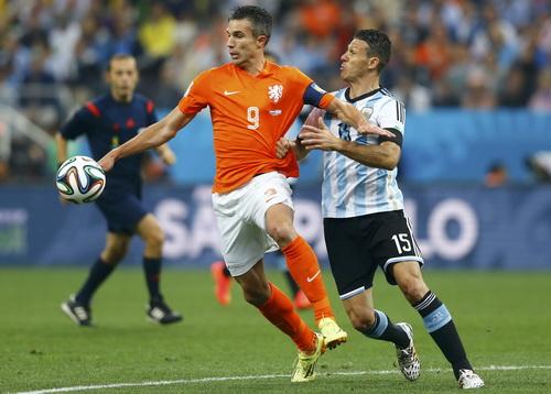 Van Persie trong trận bán kết với Argentina