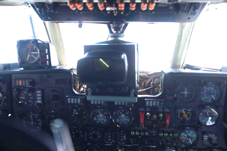 Radar của máy bay AN26 hoạt động liên tục để phát hiện các vật thể trên biển