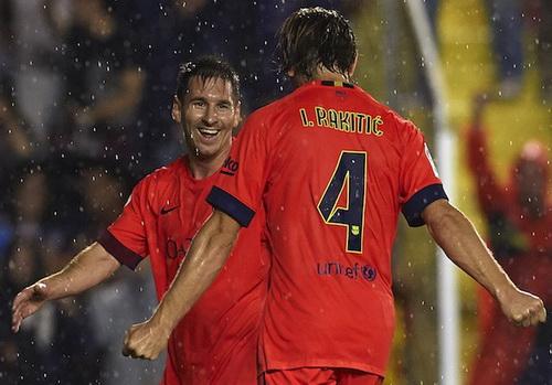 Ivan Rakitic chia sẻ niềm vui ghi bàn với Messi