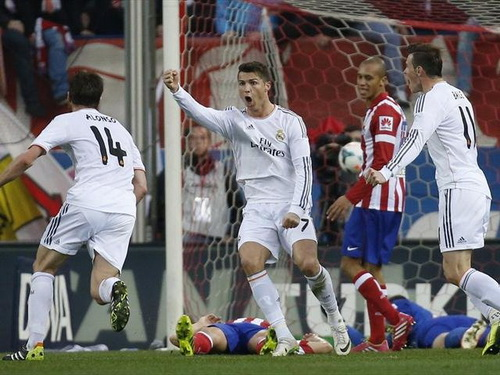 Ronaldo ghi bàn quyết định, giúp Real cầm hòa Atletico