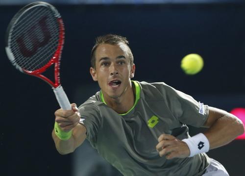 Lukas Rosol gác vợt trước đàn anh Federer