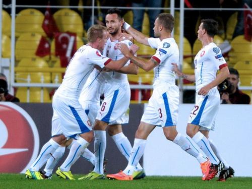 Niềm vui chiến thắng của CH Czech, giữ vững ngôi đầu bảng A