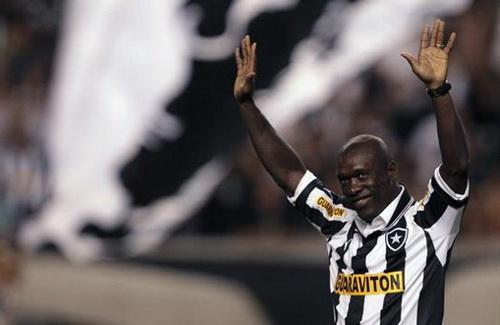Seedorf thành công trong màu á Botafogo (Brazil)