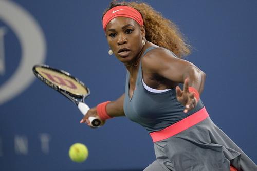 Serena khởi đầu chiến dịch bảo vệ ngôi vô địch