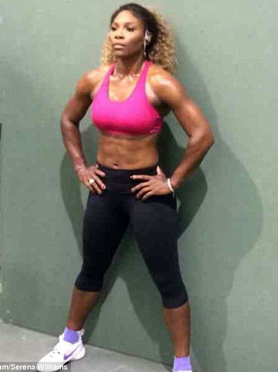 Serena khoe cơ bụng 6 múi săn chắc, chuẩn bị dự giải Bank of the West Classic