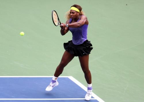 Serena bỏ cuộc trước Alize Cornet