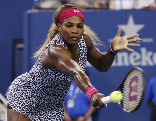 ... trước sức mạnh hủy diệt của Serena Williams
