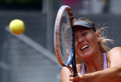 Sharapova thắng chật vật McHale