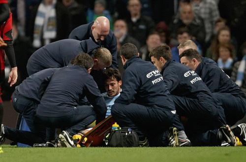 Chấn thương của David Silva khiến niềm vui của Man City không trọn vẹn