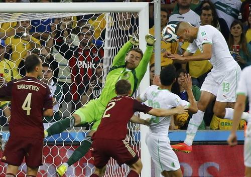 Algeria (áo trắng) từng vào đến vòng 16 World Cup 2014