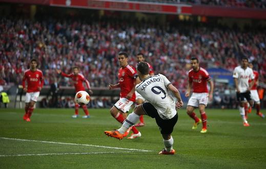 Một pha tấn công của Roberto Soldado (Tottenham)