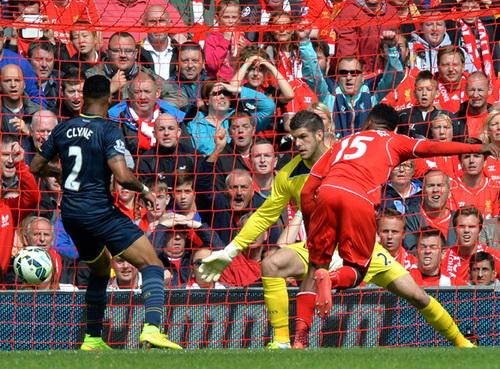 Sturridge ghi bàn quyết định cho Liverpool phút 79