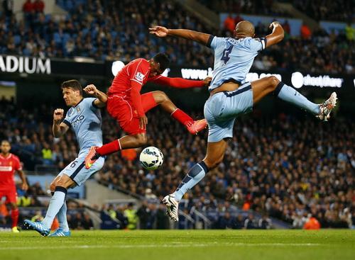 Hàng thủ Man City hóa giải mọi pha bóng tấn công của Liverpool