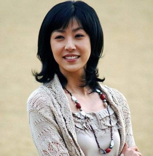 """Bị cáo buộc bán dâm """"hạng sang"""", cựu Á hậu Hàn hầu tòa"""