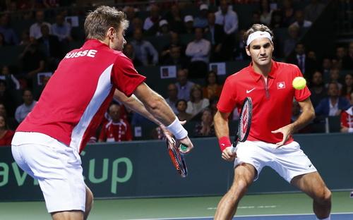 Nhiều khả năng Wawrinka và Federer sẽ ra quân ở trân đôi tối 22-11