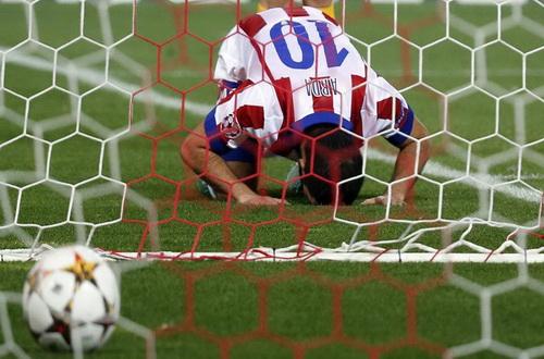 Arda Turan ghi bàn duy nhất của trận đấu