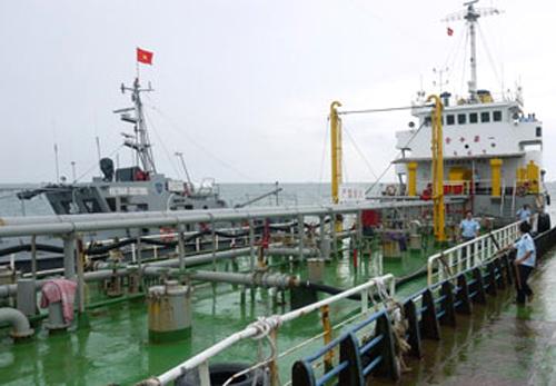 Tàu An Bình 126 tham gia vận chuyển, buôn lậu xăng dầu