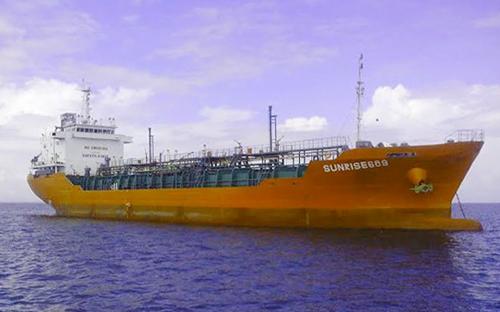 Thuyền trưởng tàu Sunrise 689 (ảnh) cho biết tàu đã bị cướp biển tấn công sau khi rời cảng Horizon của Singaporre