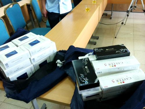 Số thuốc lá mà tiếp viên VNA xách về từ Hàn Quốc bị mang ra tiêu hủy