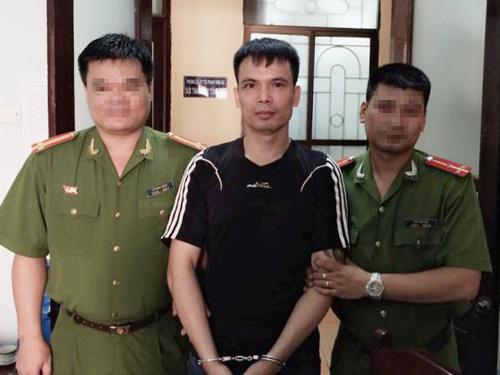 Nguyền Huy Trìu bị bắt khi đang lẩn trốn tại một nhà nghỉ ở thị xã Sầm Sơn - Thanh Hóa. Ảnh: Thái Thanh