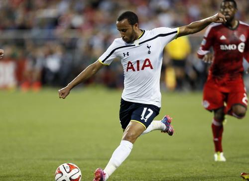 Andros Townsend ghi bàn quyết định, ấn định tỉ số 3-2 cho Tottenham