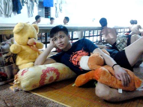 Ảnh tự sướng của Nguyễn Đức Hùng trong trại giam