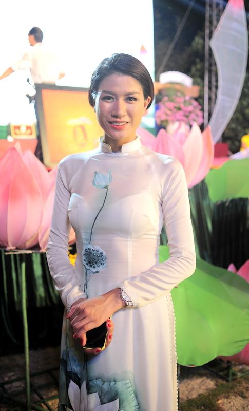Siêu mẫu Trang Trần đóng góp tích cực cho các hoạt động từ thiện