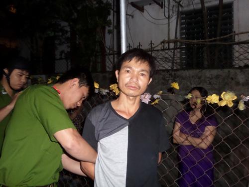 Phạm Văn Toàn bị cơ quan chức năng đưa về trụ sở để điều tra