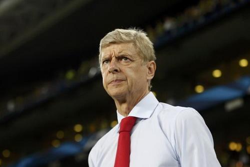 HLV Arsene Wenger sẽ cứu vớt sự nghiệp Casillas?