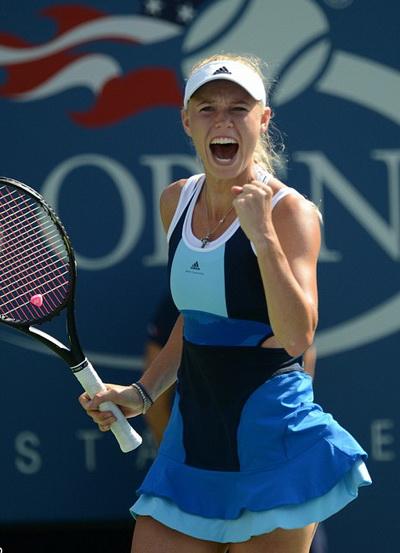 Wozniacki thắng nhanh ván đầu tiên, tràn trề hy vọng giành vé vào chung kết