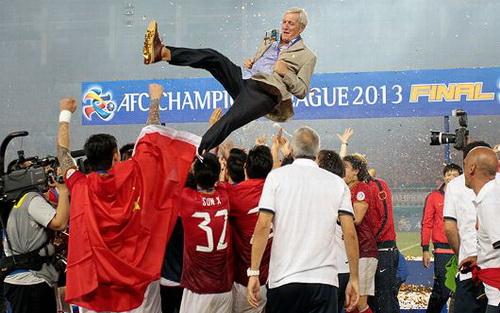 HLV Marcello Lippi thành công ở đấu trường châu Á