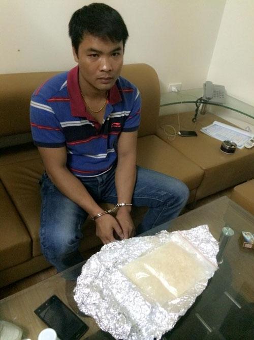 Nguyễn Văn Hoài và số ma túy đá bị công an Thanh Hóa bắt giữ