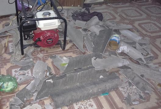 Vụ nổ khiến nhiều đồ đạc trong ngôi nhà bị hư hỏng. Ảnh: Đức Phạm