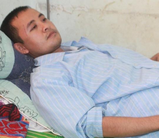Ông Lưu Nhật Thành bị thương điều trị tại BV Đa khoa Nghệ An.