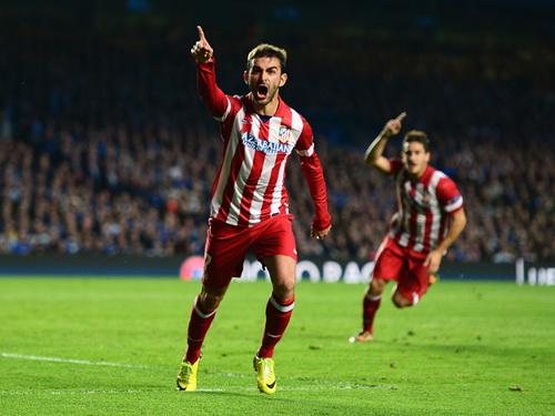 Adrian Lopez gỡ hòa 1-1, giúp Atletico Madrid khởi đầu cuộc lội ngược dòng
