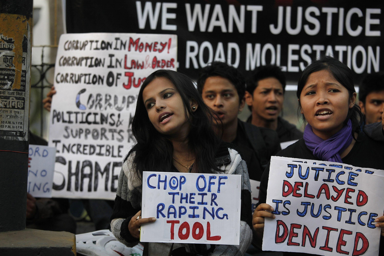 Đến bao giờ phụ nữ Ấn Độ mới an toàn hơn? Ảnh: AP