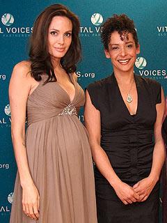 Angelina và Mariane Pearl