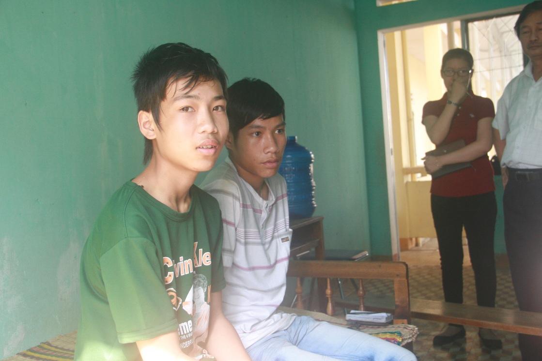 Sức khỏe của Hào (bìa trái) và Cường đã tạm ổn định nhưng cả hai vẫn còn lo sợ